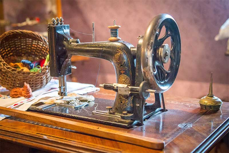 Which Sewing Machines Have Metal Parts
